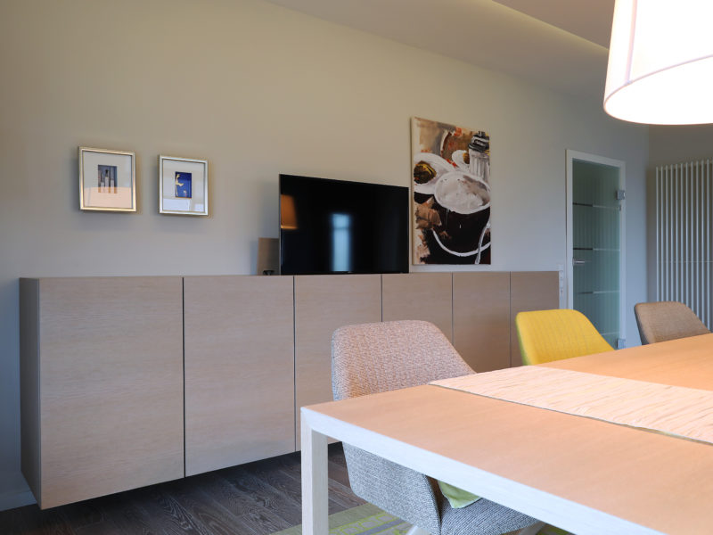Sideboard – versenkbarer Fernseher